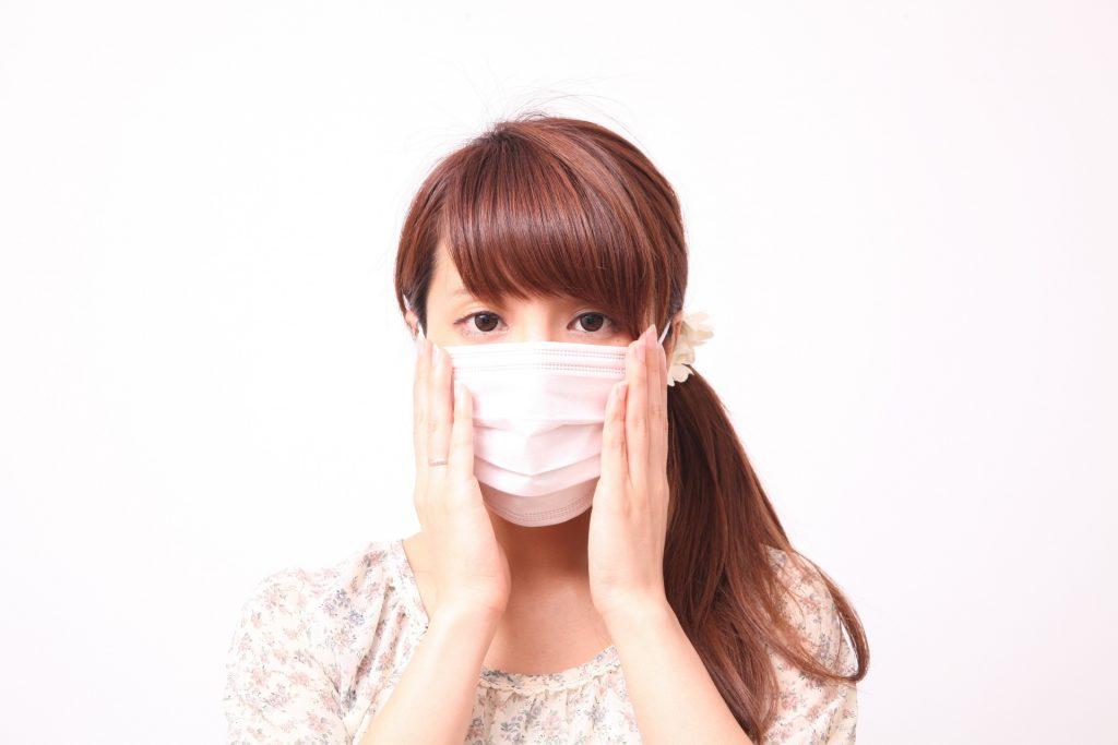 女性とマスク